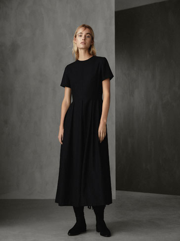 WINTER CAPSULE PLEATED AND SEAMED WOOL DRESS, MassimoDutti, Испания